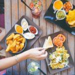 Ποιες τροφές πρέπει να καταναλώνουμε για να ακολουθήσουμε μια ισορροπημένη διατροφή;